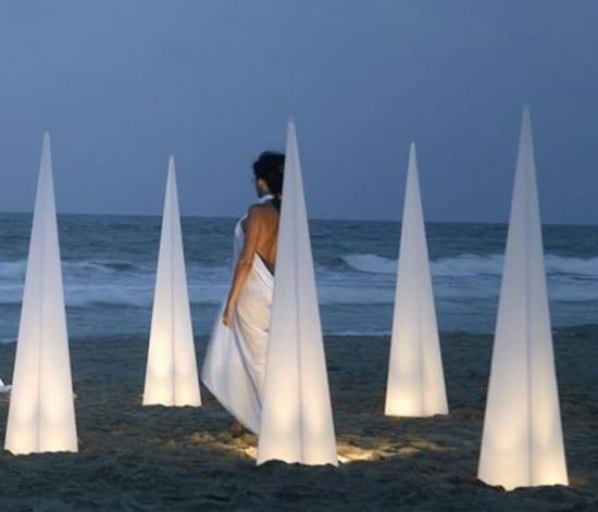 Üçgen-piramit-bahçe-aydınlatma-modeli