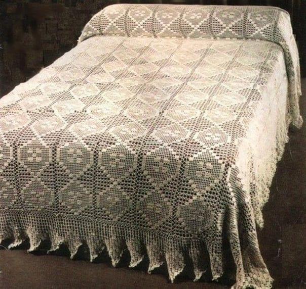 beyaz-dantel-yatak-ortusu-modelleri