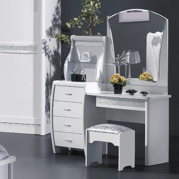 beyaz-makyaj-masasi