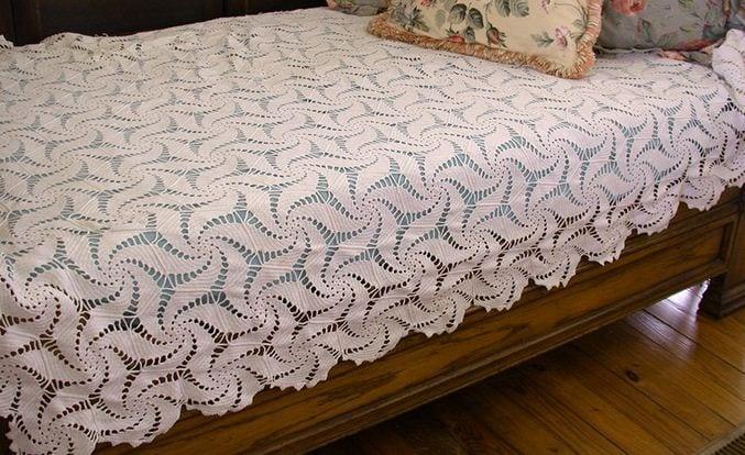 dantel-yatak-ortusu-ornekleri