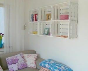 Duvara monte kasa kitaplık