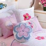 Çilek genç kız odası yatak örtüsü
