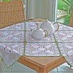 el yapımı dantel masa örtüsü