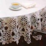 motifli dantel kenarlı yuvarlak masa örtütü
