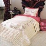 Pelerins kız yatak örtüsü