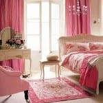 Pembe Renk Genç Kız Yatak Odası Dekorasyonu
