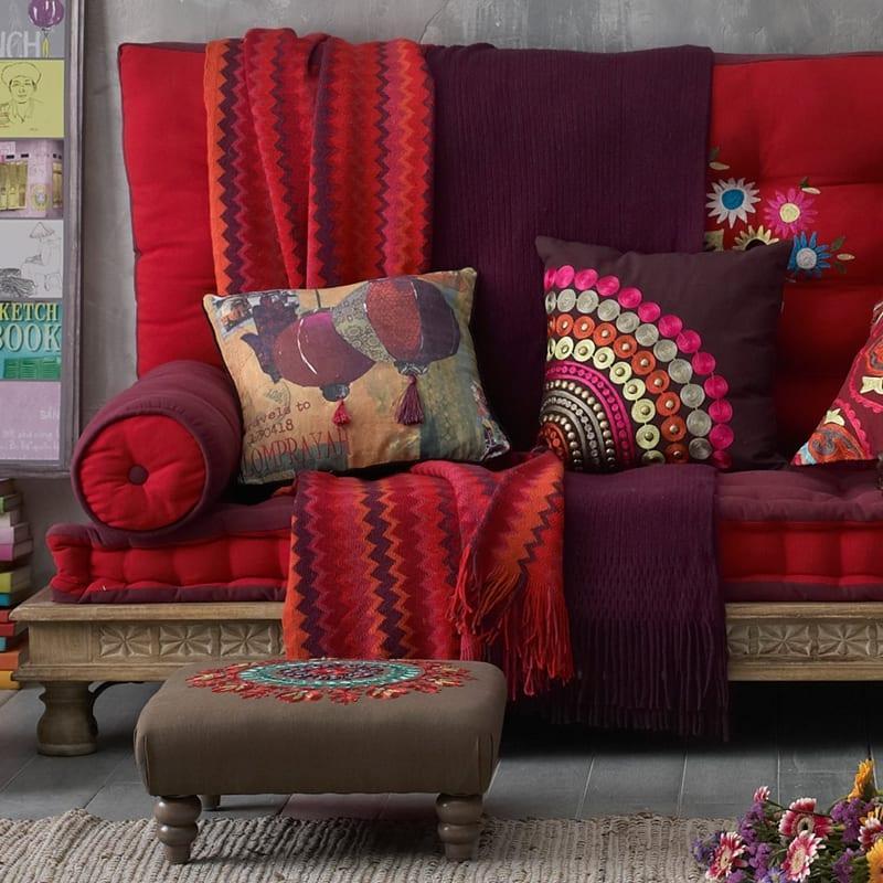 Etnik kanepe dekorstyle for Decoracion estilo hindu