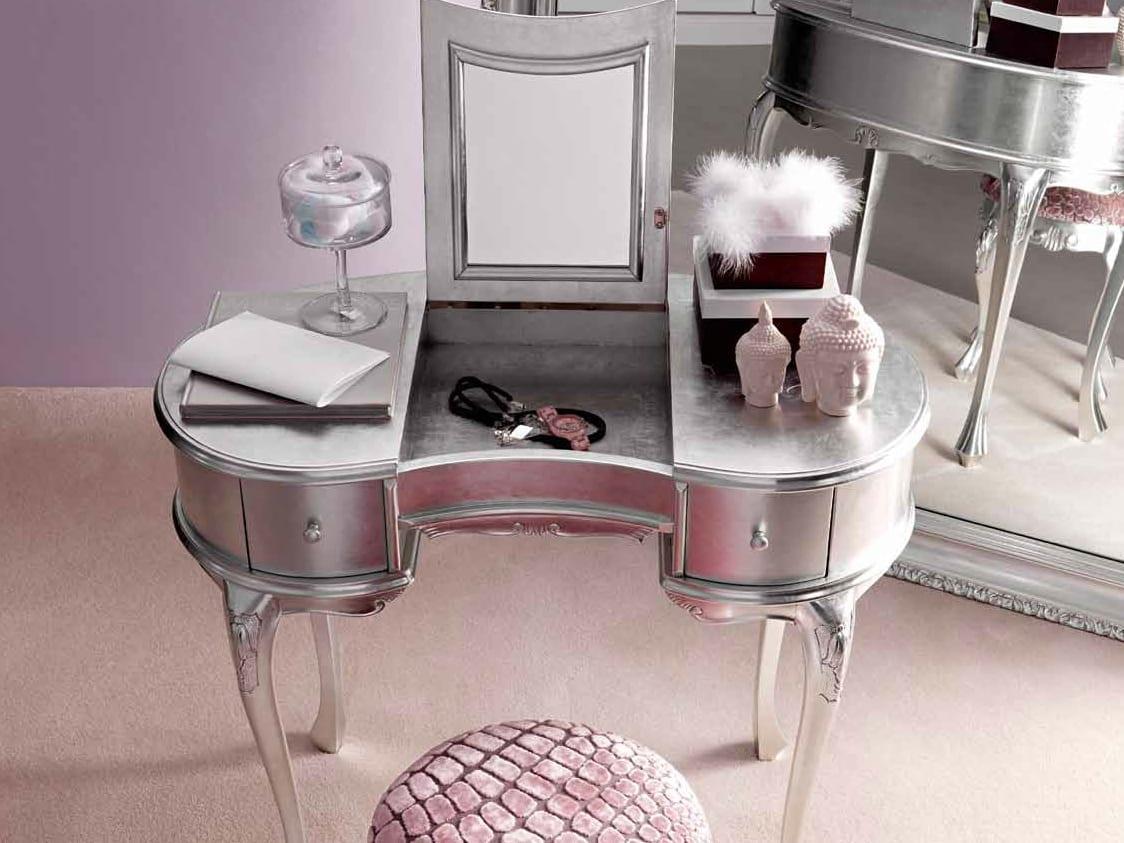 İkea gümüş renkli modern makyaj masası