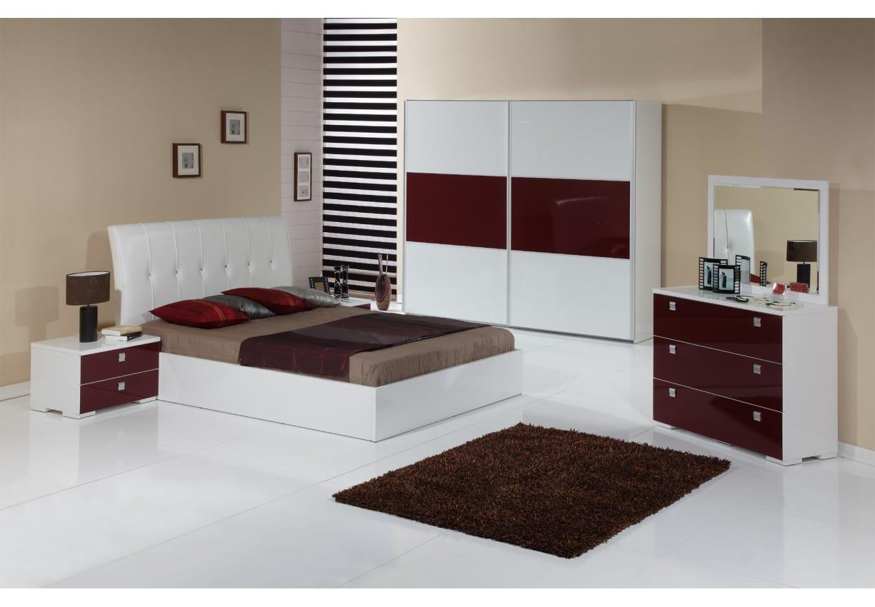 Bordo Milano yatak odasi