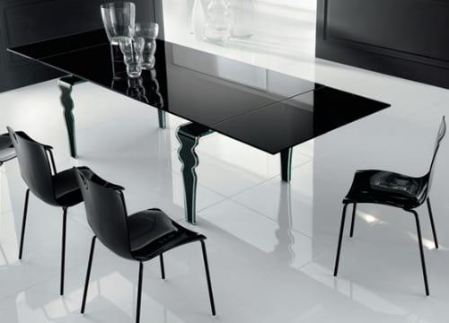 Siyah cam yemek masasi modeli