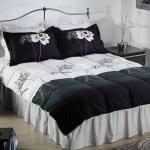 bellona siyah beyaz desenli uyku seti modeli