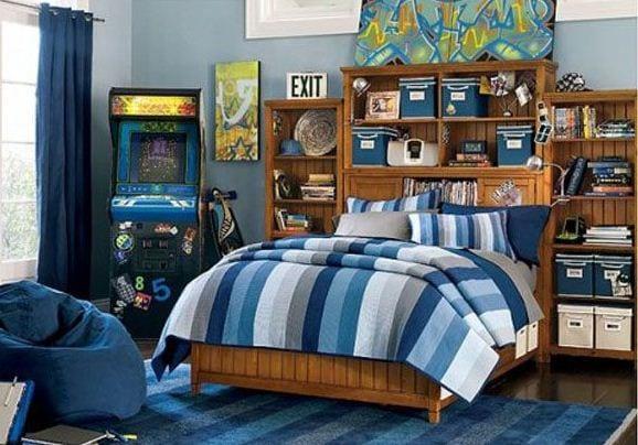 genç yatak örtüsü mavi çizgili