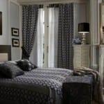 yatak odasi gri desenli perde