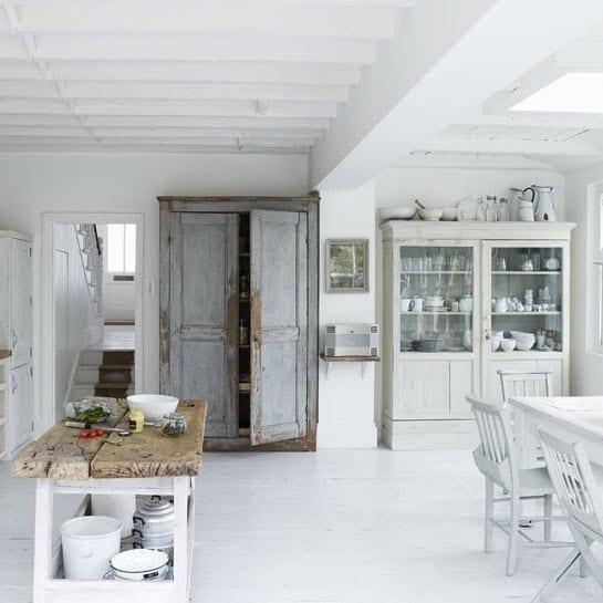 eski nostaljik mutfak dolaplari