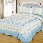 patchwork mavi beyaz yatak ortusu