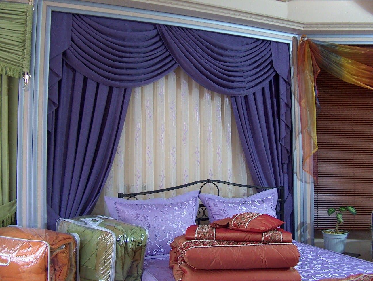 yeni moda yatak odasi mavi perde modeli