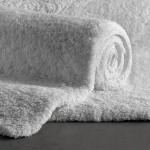 beyaz tuylu banyo halisi