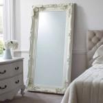 dekoratif beyaz klasik yatak oda aynasi