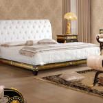 klasik tarz gosterisli yatak odasi modelleri
