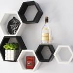 siyah beyaz dekoratif duvar raflari