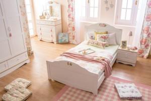Laura genç kız odası