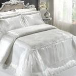 beyaz goz alici ceyiz yatak ortuleri