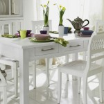 country tarzi beyaz mutfak masasi