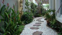Bahçe Zeminlerinde Doğal Taştan Dekoratif Kaplamalar