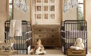 ikiz bebeklerin renkli oda dekorasyonlari