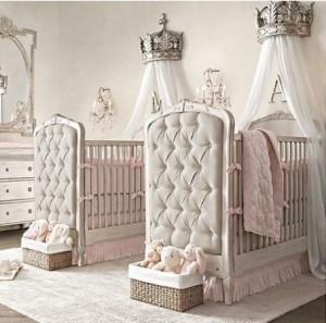 ikiz kiz bebek odasi dekorasyonu