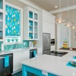 mutfaklarda turkuaz beyaz rengi dekorasyon