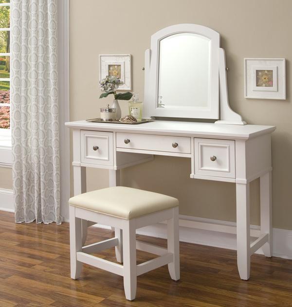 beyaz modern makyaj masasi