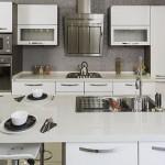 beyaz renkli cimstone mutfak tezgahi