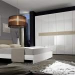 son moda beyaz yatak odalari