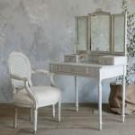 dekoratif vintage makyaj masasi