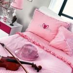 pembe kiz odasi yatak ortuleri