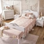 pudra rengi kiz odasi yatak ortusu