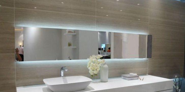Büyük Banyo Aynaları ile Aydınlık ve Ferah Görünüm