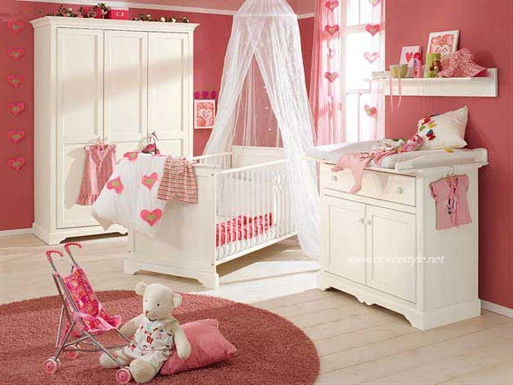 Kız Bebek Odası Perde Modelleri