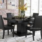 Küçük Salonlar için Yemek Masası