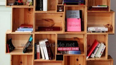 Sebze Kasalarından yapılmış dekoratif Kitaplıklar