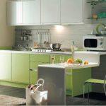 Beyaz yeşil mutfak dekorasyonu