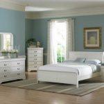 Beyaz yatak odalari