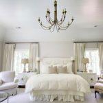Beyaz yatak odasi dekorasyonu