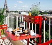 Kırmızı Balkon Masası