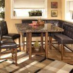 Siyah Mutfak Masası Modeli