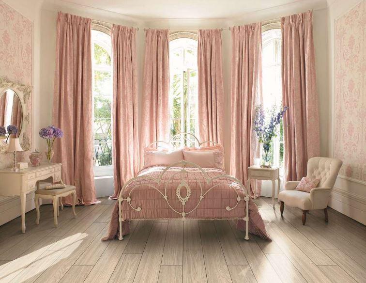 Pudra Rengi Yatak Odası