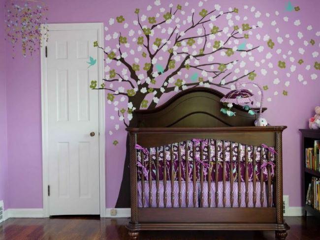 Lila Bebek Odası Dekorasyonları
