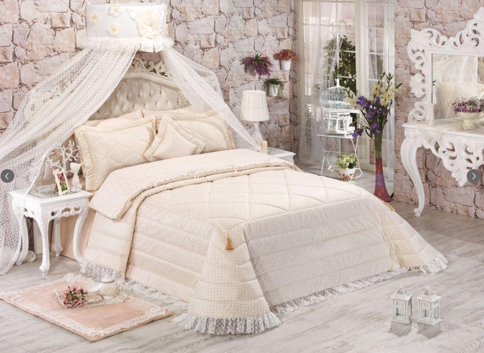 2018 Elart yatak örtüleri yüzde 50 indirimli. sadece 299 TL