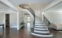 Büyük evler için ahşap merdiven